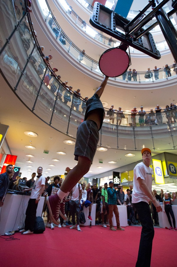 Guy dunking for prize - adidas Helsinki Jump